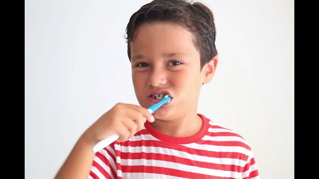 Bahaya Bertukar Sikat Gigi Bagi Kesehatan || Pembuatan Kaki Palsu