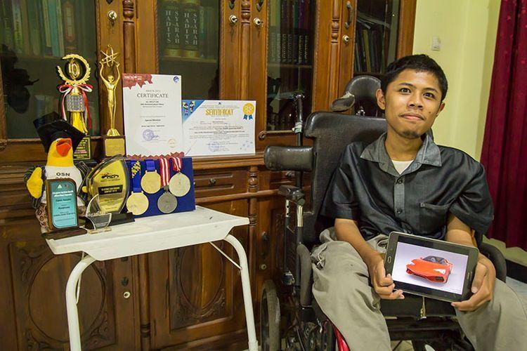 Husein,Penyandang Disabilitas Memiliki Segudang Prestasi
