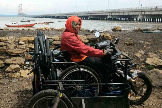 Sri,Penyandang Disabilitas Yang Berkeliling Indonesia