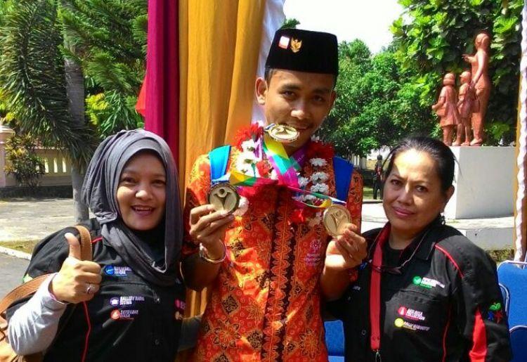 Dimas Prasetyo, Seorang Atlet Bulutangkis Professional