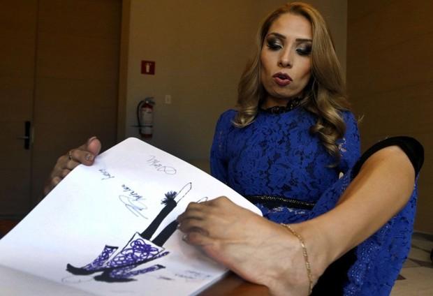 Adriana Macias, Desainer Sukses Tanpa Lengan