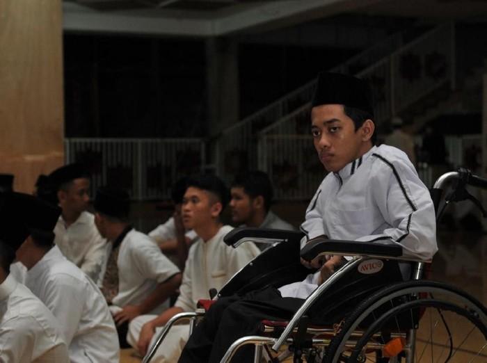 Rizal Disabilitas Penghafal  Al Quran
