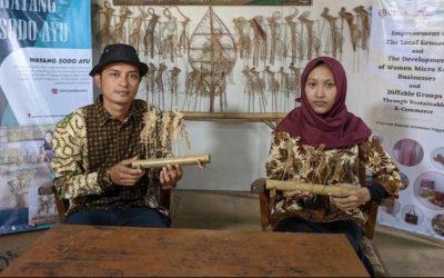 Rofitasari, Sandang Disabilitas Sukses Bisnis Wayang Lidi