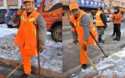 Shang Wuyi Dengan Keterbatasan Tetap Semangat Bekerja