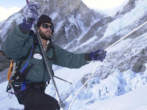 Erik Weihenmayer Seorang Atlet Amerika, Petualang, Penulis, Aktivis Dan Pembicara Motivasi Merupakan Orang Buta Pertama Yang Mencapai Puncak Gunung Everest